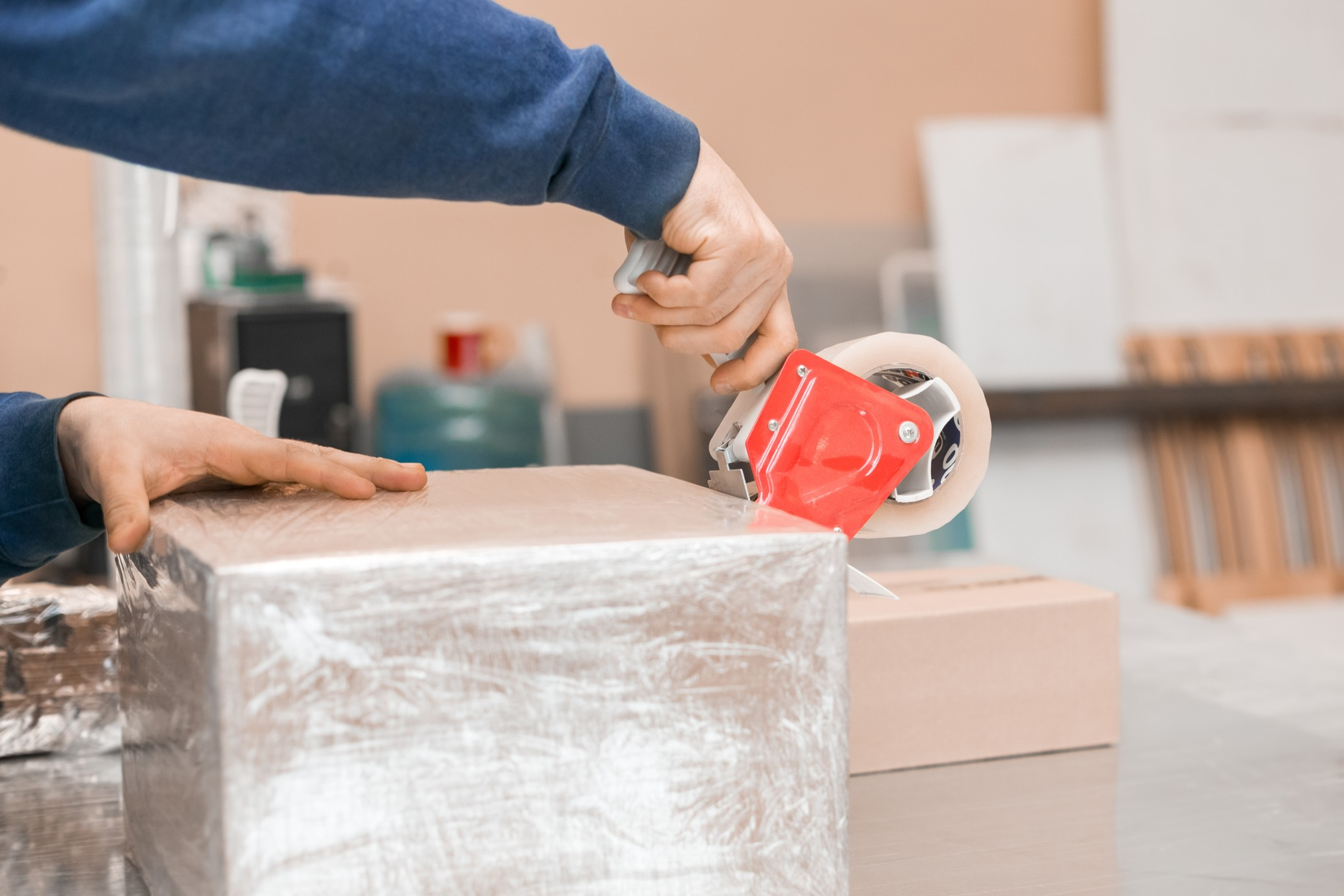 packaging manufacturer reduces waste